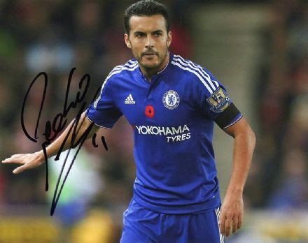 Pedro, Chelsea & Spain, signed 10x8 inch photo.